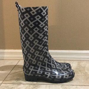 Daisy Fuentes White & Blue Rain Boots